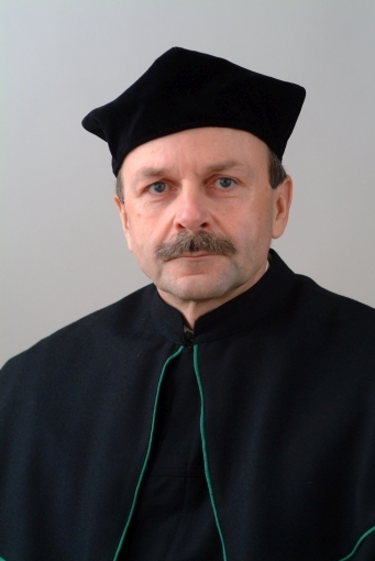 prof. dr hab. n. farm. Jerzy Krysiński