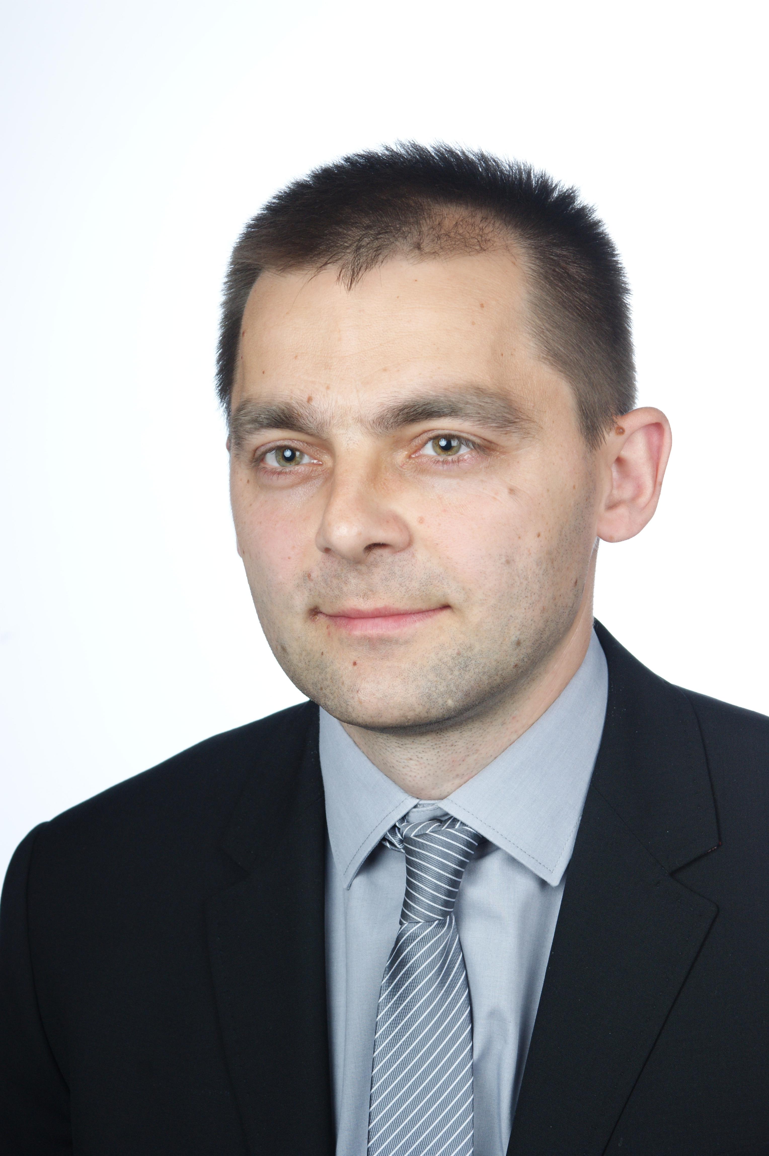 Kierownik Katedry i Zakładu: dr hab. n. farm. Michał Marszałł, prof. UMK
